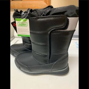 "NWT - lands end ""snow flurry"" winter boots - 12M"
